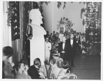 W.Va. Gov. Kump unveils bust of Robert E. Lee at Greenbrier Hotel, 1933