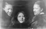 Marjorie Thomas, Cincinnati, Oh., with two friends