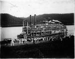 Steamboat Homer Smith unloading passengers, ca. 1914.