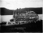 Steamboat Homer Smith unloading passengers
